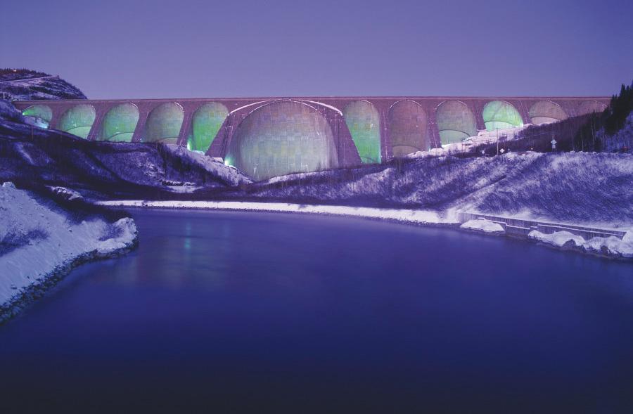 Innus vs Hydro-Québec un  combat en eau trouble
