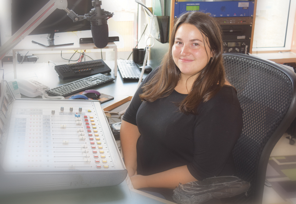 Nouvelle journaliste à CFMF 103,1